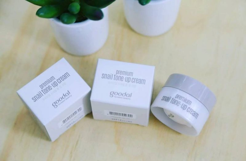 Kem Dưỡng Ốc Sên Goodal mini Premium Snail Tone Up Cream 10ml