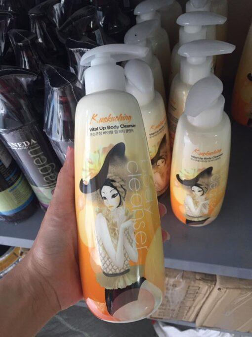 sữa tắm Kuskuching Vital Up