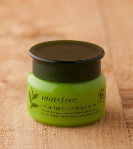 Innisfree-Green-Tea-Balancing-cream-1