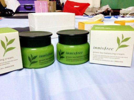 Innisfree-Green-Tea-Balancing-cream-13