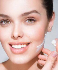 Kem-duong-trang-da-innisfree-whitening-pore-cream-2