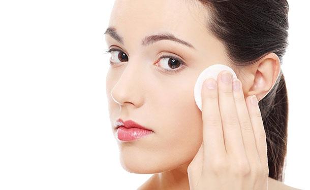 nuoc-hoa-hong-lam-sang-da-innisfree-whitening-pore-skin-16
