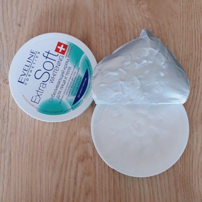 Kem trắng da Eveline Extra Soft Whitening