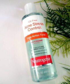 oil-free-acne-stress-control-triple-action-toner-3