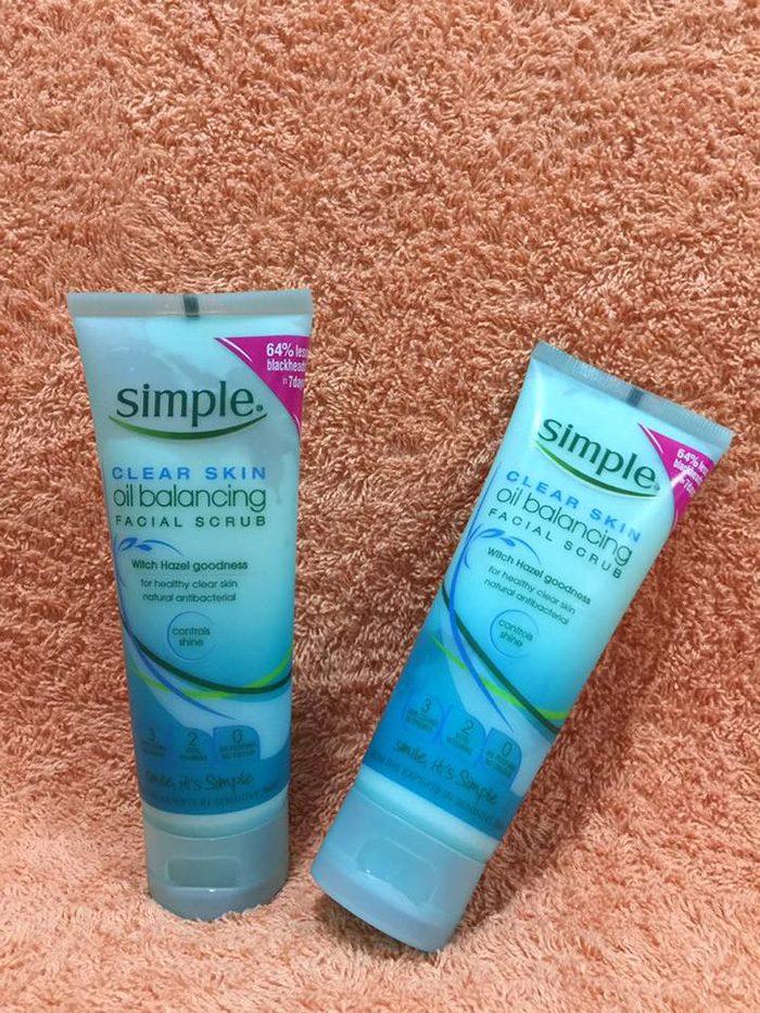 Tẩy da Chết Simple Clear Skin Oil Balancing Facial Scrub