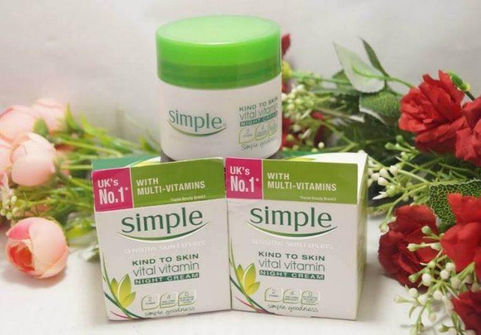 kem dưỡng ẩm Simple Kind To Skin Vital Vitamin night day cream