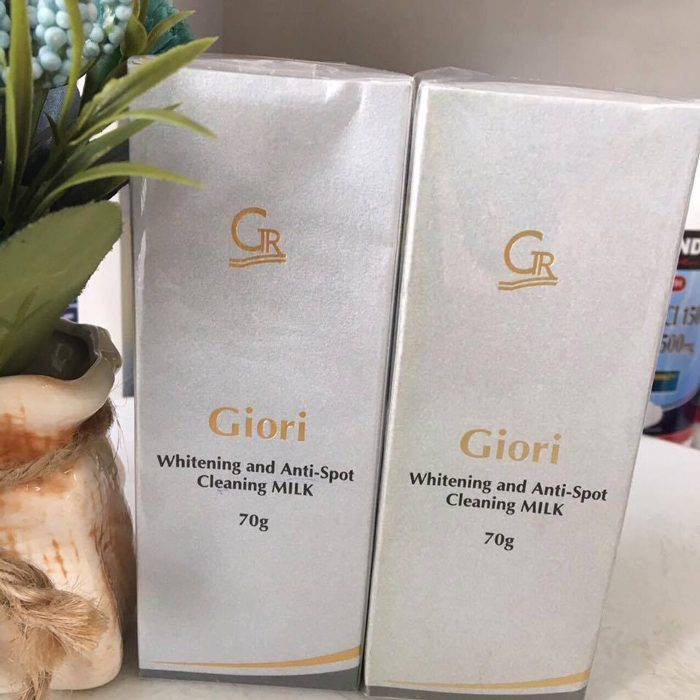 Sửa rửa mặt Giori whitening anh anti spot cleaning milk