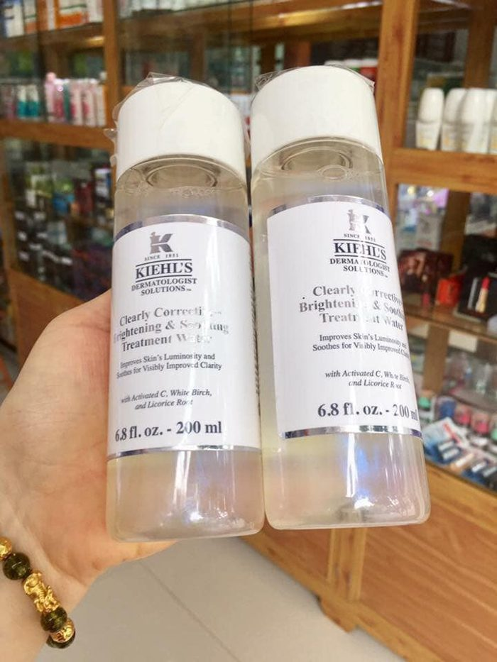 Nước thần Kiehl's Clearly Corrective™ Brightening & Soothing Treatment Water