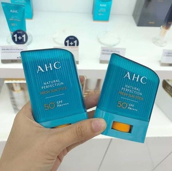 Kem chống nắng AHC Natural Perfection Fresh Sun Stick