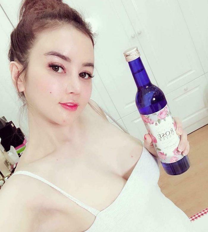 Nước uống hoa hồng Premium Rose Water