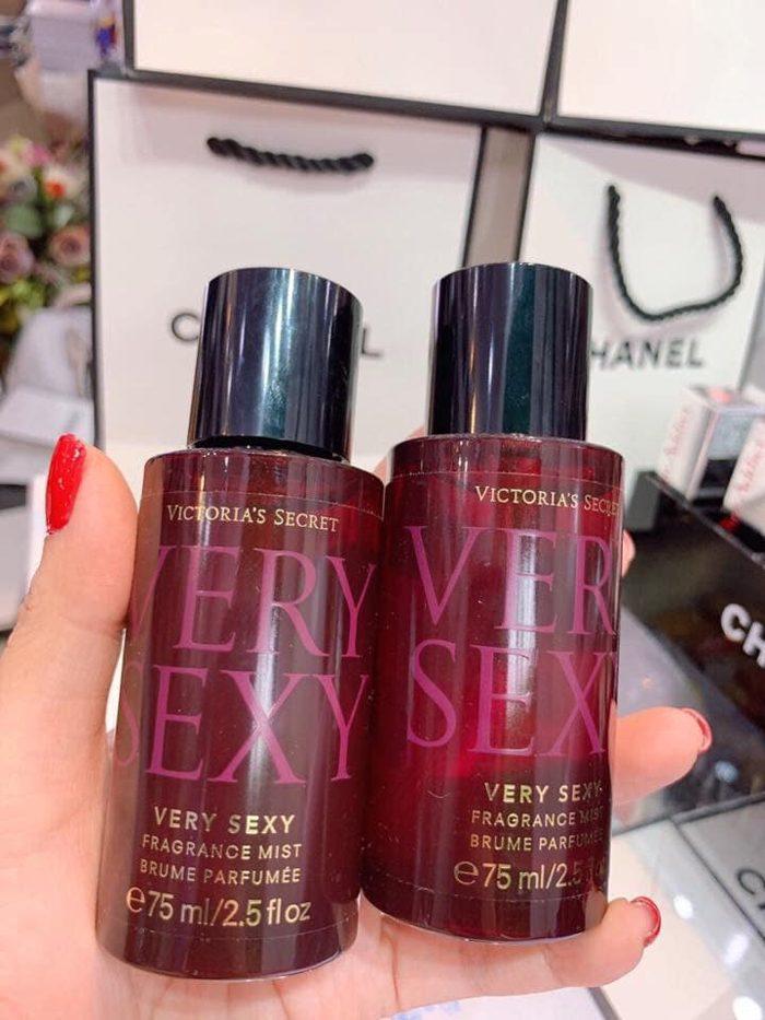 Xịt thơm toàn thân Victoria's Secret Very Sexy Fragrance Mist