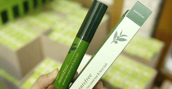 Thanh lăn mắt Innisfree Green Tea Seed Eye & Face Ball