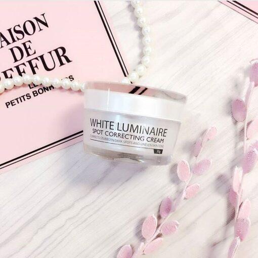 Kem dưỡng ẩm đặc trị làm sáng da White Luminaire Spot Correcting Cream 3