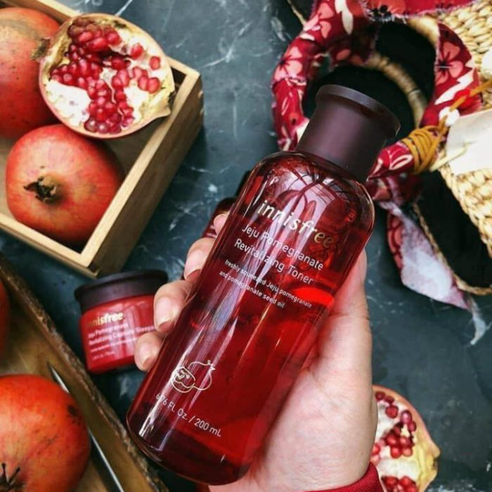 Nước hoa hồng Innisfree Jeju Pomegranate Revitalizing Toner