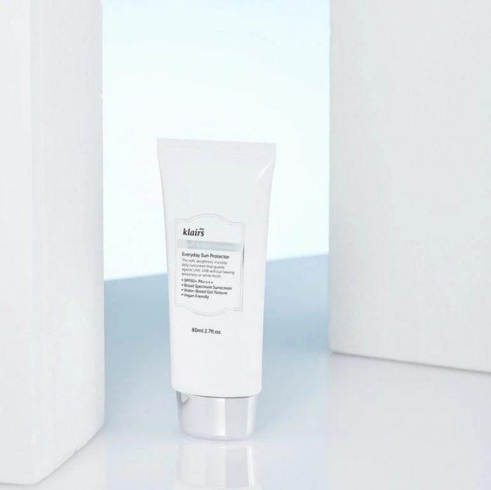 Kem Chống Nắng Klairs Soft Airy UV Essence SPF50+/Pa+++